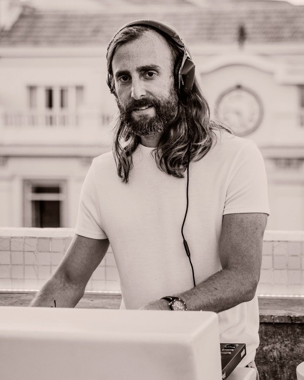 Benjamin (tambien DJ)