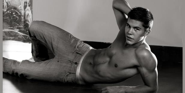 Te presentamos a Daniel, doble de Taylor Lautner de Crepusculo